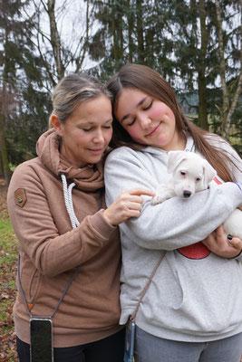 Aura wohnt nun bei Familie Detmer in Köln :-)