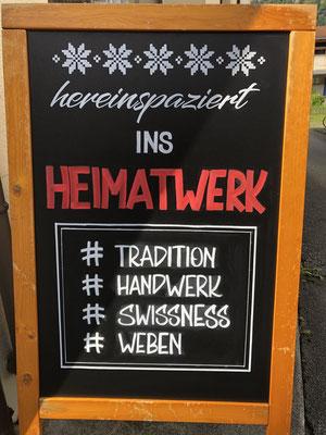 Simply-NeW-Art-Nelly-Wüthrich-Tafelbeschriftung-Heimatwerk-Meiringen