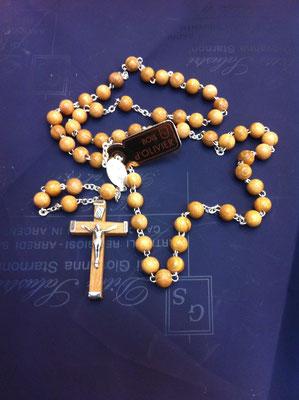 19g- Rosario in legno con Papa Francesco disponibile in vari colori