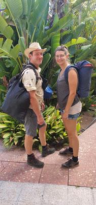 Wir machen uns auf zum Wandern in der Caldera de Taburiente mit Zeltübernachtung