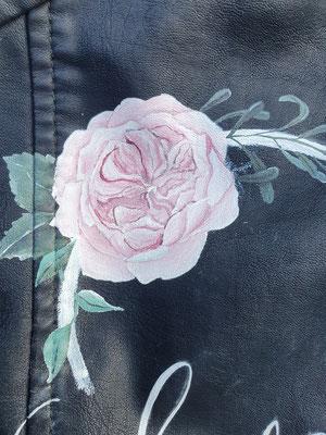 roos op trouwjasje