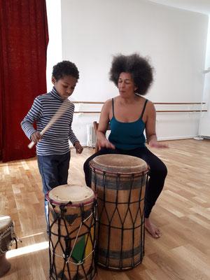 Cours de percussions pour enfants, avec Véronique Mendy