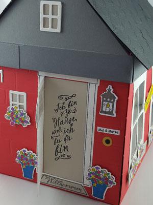 Hinter der Tür verbirgt sich ein netter Spruch
