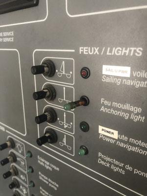 einige Kontrolllamperl sind wie Popcorn aufgebrand / some control lights look like popcorn