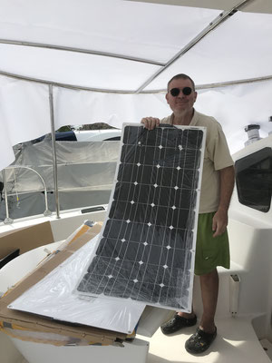 die Solarpanelen kommen auf das Bimini / Solarpanels will come onto the improved bimini