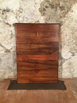 Nussbaum, 129 x 90cm
