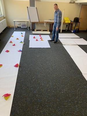 Die aneinandergelegten Plots für Stiel und Blätter sprengten alle unsere Räume und musste extern gemacht werden.