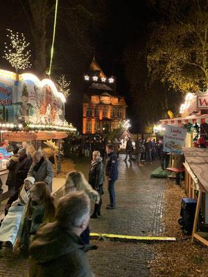 Viel Betrieb auf dem Weihnachtsmarkt