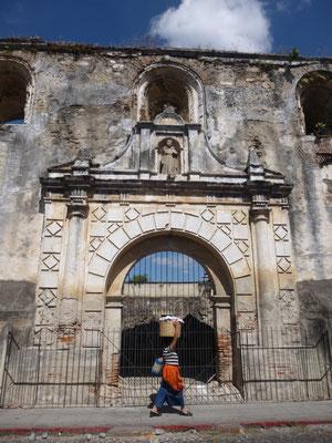 Il y aurait eu jusqu'à 40 églises à Antigua au 18ème siècle