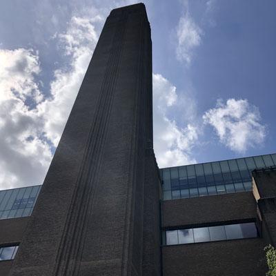 Die Tate Modern in der Sonne.