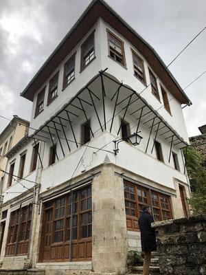 Schön renovierte Häuser, die leider leer stehen.