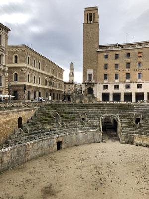 und nochmal Amphitheater mit Pudelmützenkirche im Hintergrund