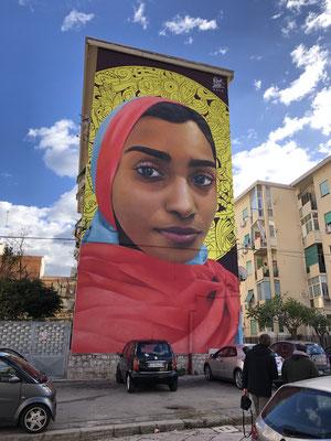 Kunstprojekt Pangrel in Palermo, ganze Häuserseiten bzw. Mauern wurden bemalt