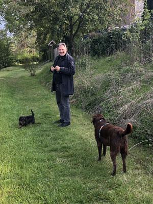 Bei unserem Spaziergang; Othello der Hausdackel war mit von der Partie.