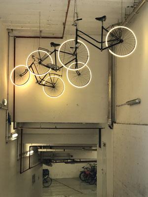 Der Eingang zur Fahrradgarage.