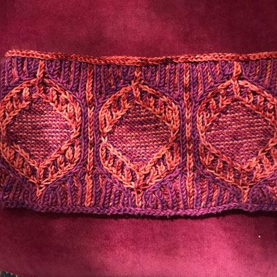 Wulura cowl av Shara Made i Silkawoola DK. En härva av varje färg.