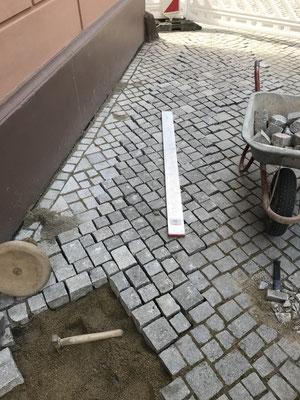Freiburger Gartenbau Gelsomino - Strassenbau - Pflasterarbeit
