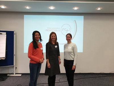 v.l.n.r.: Junmin Li, Dr. Susanne Happ und Sabine Päsler