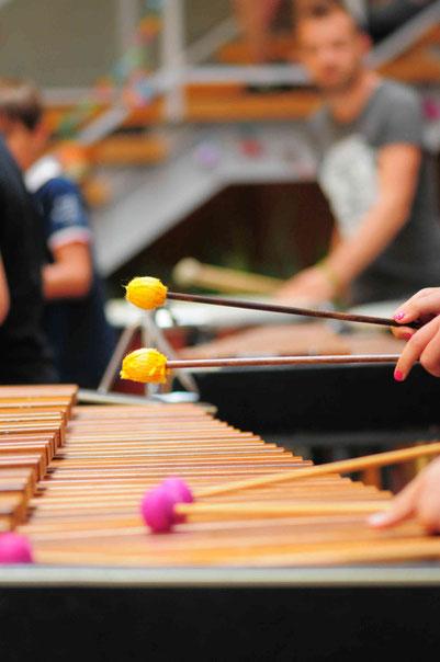 Ecole de musique EMC à Crolles - Grésivaudan : exercices de percussions, un des nombreux cours de musique de l'école EMC.