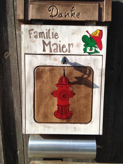 """Briefkasten aus Holz """"Feuerwehrmann"""""""