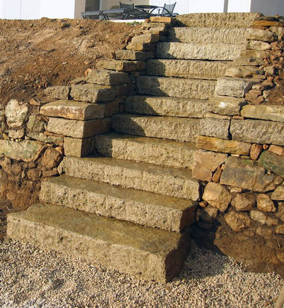 staircase-creation-var-dry-stone-wall-perpendicular