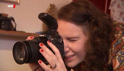 Fotografin Yvonne Sophie Thöne gegen Bodyshaming in der WDR Servicezeit