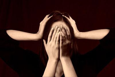 Bei starken Kopfschmerzen und Migränen ist die Lebensqualität stark eingeschränkt