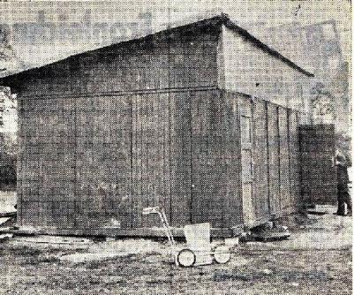 """Das ganz alte """"primitive Umkleidegebäude"""""""