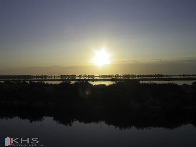 Bild: Sonnenaufgang am Rand von Le-Grau-du-Roi