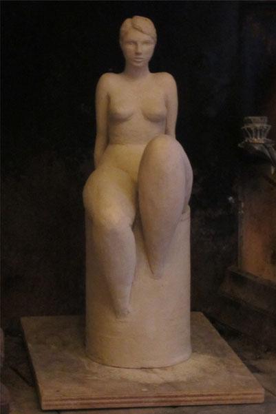 """hommage à Tamara"" nu assis,sculpture argile 2013."