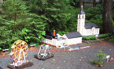 Thalheimer Kirche, das Erbgericht und ein Rummel