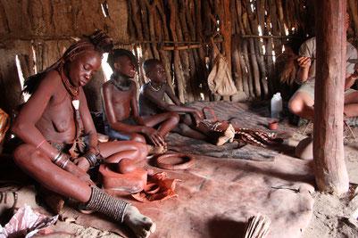 Деревня племени Тимба в Намибии