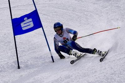 Jakob Reichart am Weg zum 3. Gesamtrang und U18 Sieg im 3. Lauf zum KPPC 2020