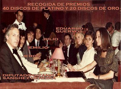Los Chichos, Eduardo Guervós.  (al fondo)  y el Diputado Juan de Dios  Heredia Raminez 77/86 en la Sala Boheme 1986 celebrando recogida de numerosos premios