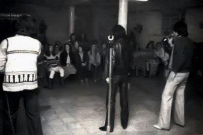 Actuando en el comedor de las reclusas 1982
