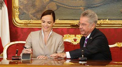 Angelobung von Sonja Hammerschmid bei Bundespräsident Heinz Fischer