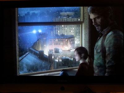 Ellie und Joel in seiner Wohnung