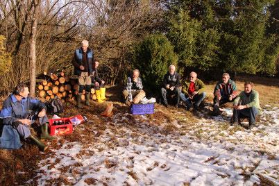 Wohlverdiente Pause: Aktive der LBV-Kreisgruppe nach der Biotoppflege © Richard Schoonhoven