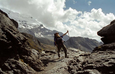 Bild:Hiking,Cordillera Blanca,Peru,David Brandenberger,d-t-b.ch,d-t-b,Wanderer,Pass,