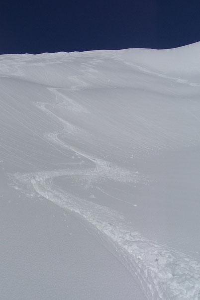 Bild:Schnee,David Brandenberger,d-t-b.ch,d-t-b,Skifahrerspur,Tiefschnee,Madrisa