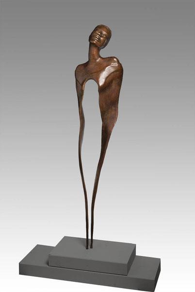 Bronze sculpture woman