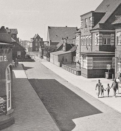 ca. 1933 Blick auf Post, Haus WORCH , Haus Nordstern, Haus Breeden , Haus Ursula....