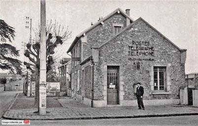 Le bureau de poste de Vélizy-Villacoublay dans les années 50.