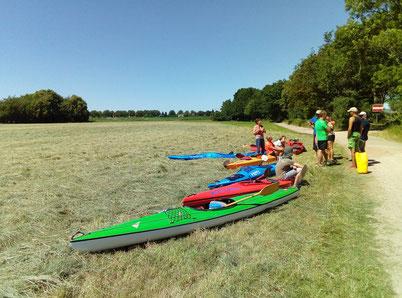 Kurze Pause auf der Wesertour bei Petershagen