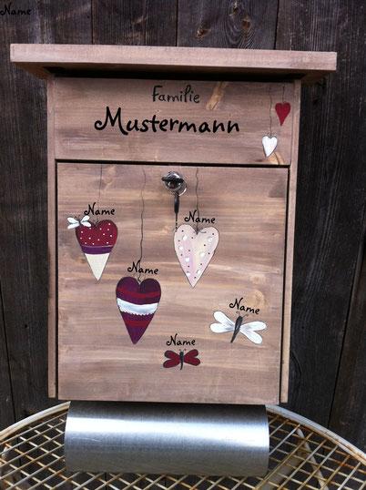 """Briefkasten aus Holz """"Herzchen"""""""