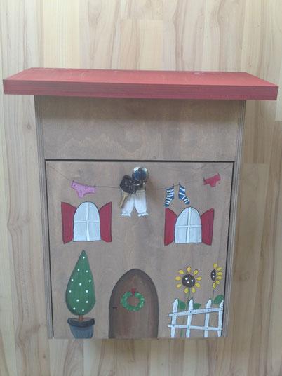"""Briefkasten aus Holz """"Villa"""""""