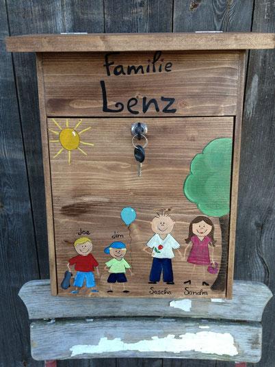 """Briefkasten aus Holz """"Sonnenschein"""""""