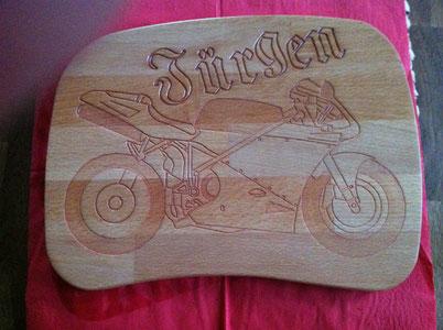 Brotzeitbrett Motorrad
