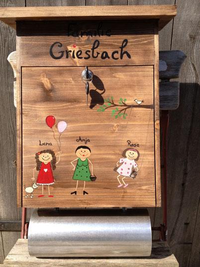"""Briefkasten aus Holz """"Family"""""""