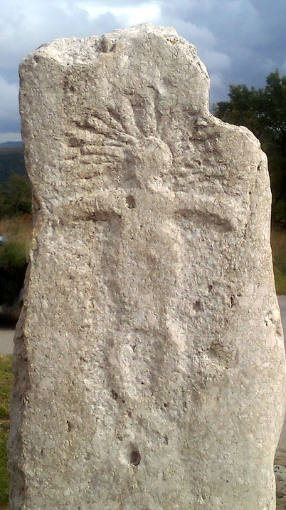 "The monolith, which in the folk tradition is also known by the name of ""Kamen tro-Glav"", To Krkavče, 6000 Koper"